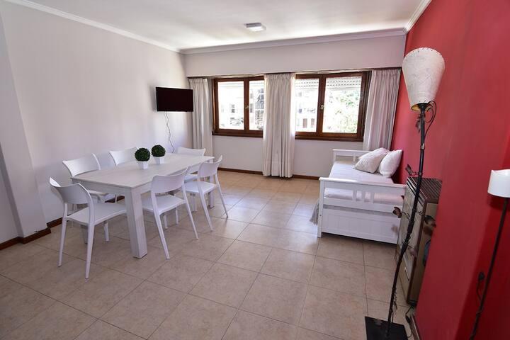 Living comedor con cama marinera, televison 32´, wifi, netflix y youtube. Calefactor 6000 cal.
