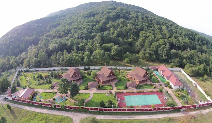 Гостевой дом Village Colonel - отдых в горах!