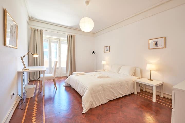 ★ Campo Pequeno Prestige ★ Lisboa Center Room 1
