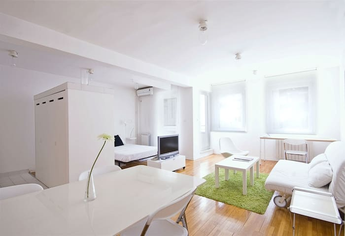 miu arena apartment - Belgrado - Appartement