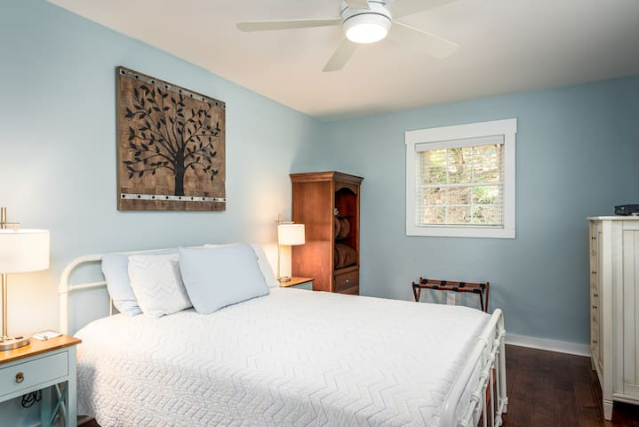 Enjoy the queen sized bed in the light and bright Master Bedroom.  The Master Bedroom has a ceiling fan and the bookcase contains a small safe to secure your valuables during your stay.