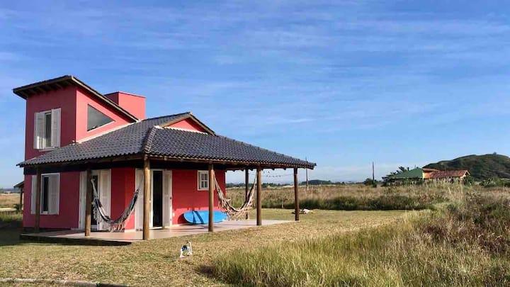 Casa NOB à beira-mar, em Jaguaruna, SC!