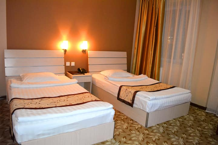 5. Standard Twin Bedroom with Breakfast