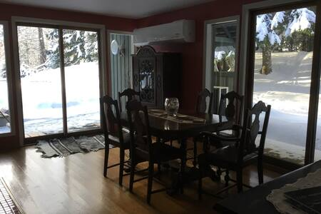3 BR house Red Mnt ski area - Rossland