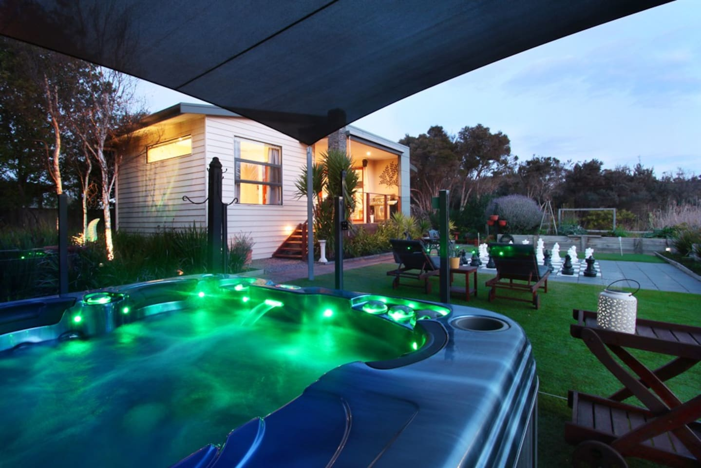 After a day of exploring the Mornington Peninsula, relax in the outdoor heated spa with view over the cottage, garden & giant chess set, and let the jets relax your muscles.