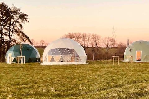 Domes glamping exclusif en pleine nature