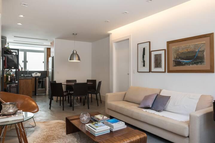 Renovated, elegant, 2-bedroom apartment in Leblon - Rio de Janeiro - Pis