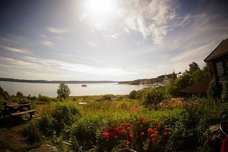 Spectacular fjord paradise with private beach - House
