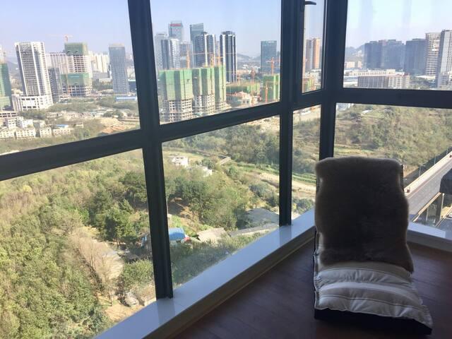 碧宿| 贵阳观山湖区地暖三室公寓中独立二室一卫城市高层景观2 bed 1 bath heater