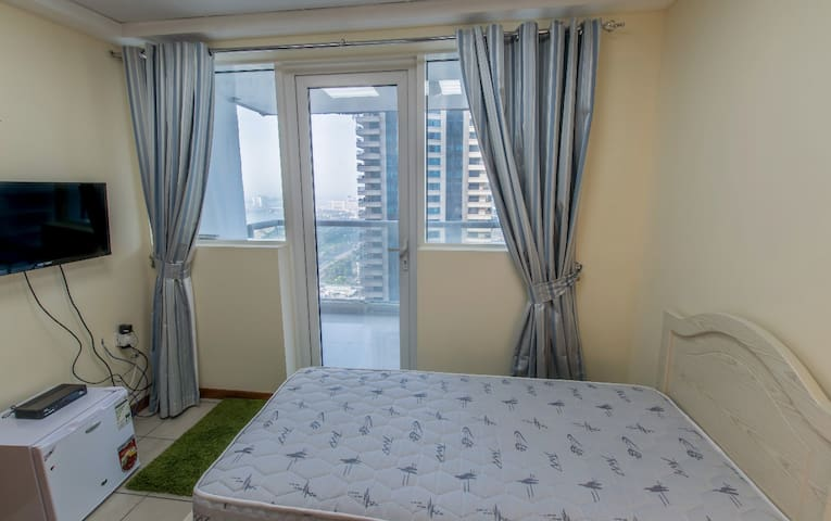 cool room for rent in Dubai marina for 1 girl