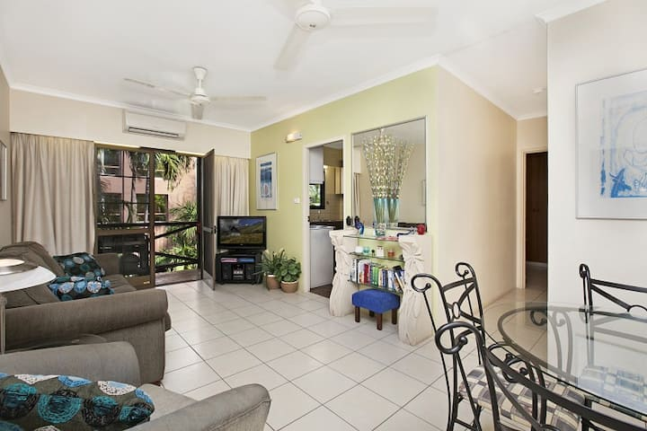 Quiet Esplanade Location - 10 Colonial Court