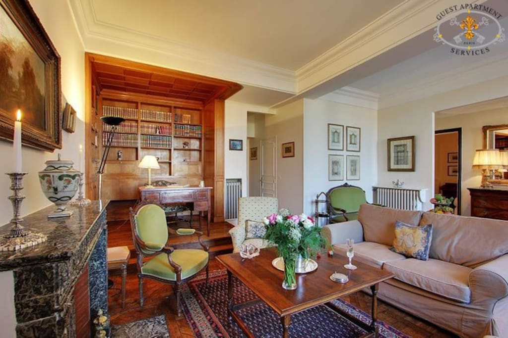 Classical and luxury apartment rental on Ile Saint Louis