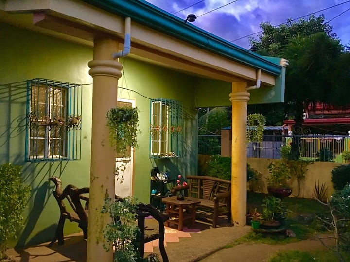yanlee's HOMESTAY - LGBT friendly