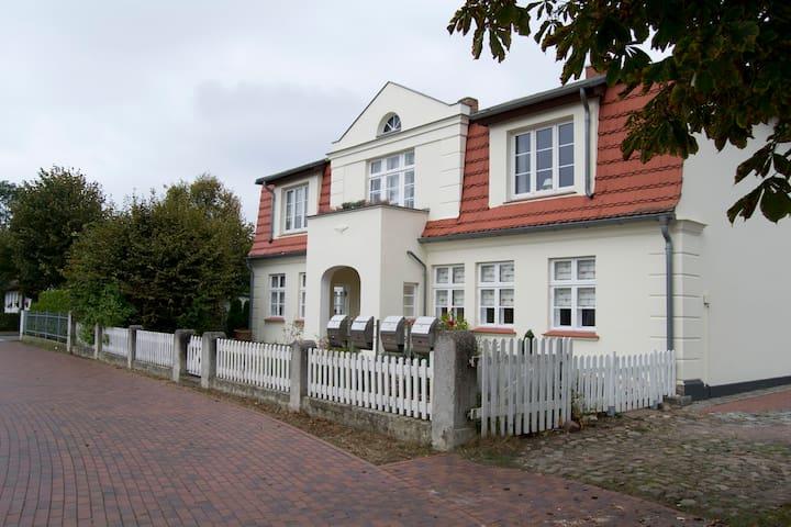 Ostsee– Ferienwohnung im Erdgeschoss und... - Graal-Müritz - Apartemen