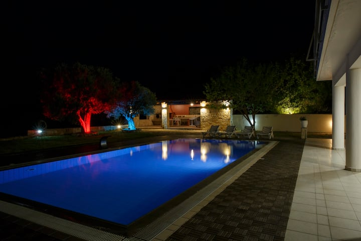 Panoramic Villa & Wedding Venue Luimar