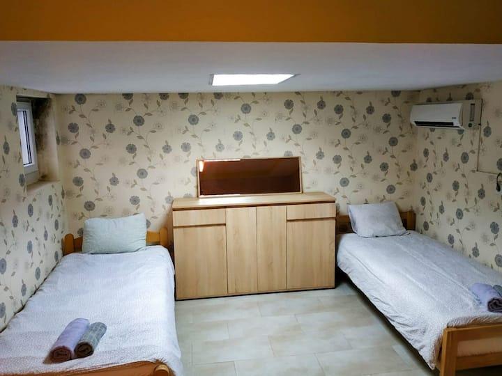Zvezdara Room 12