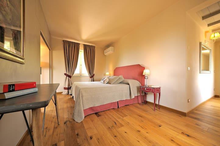Junior Suite in CASALE DI CAMPAGNA TOSCANO - Monsummano Terme - House