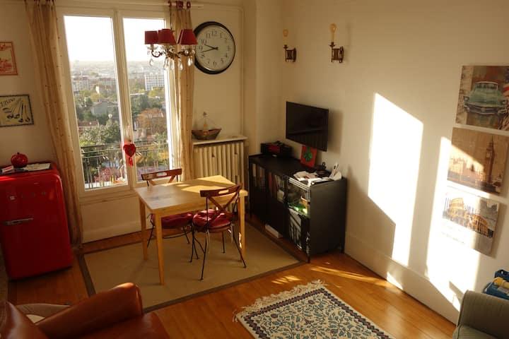 Cosy nice Apartment,  5 min. from Paris. Metro 9.