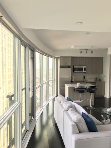 Modern entire condo- 1 bedroom