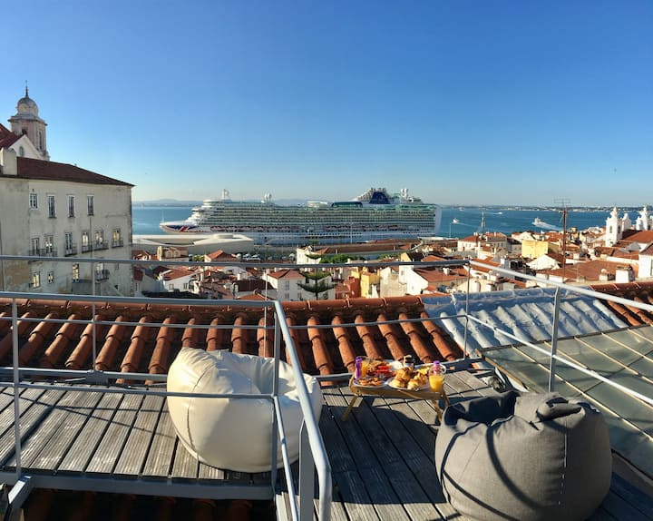 MINE - Alfama Rooftop 360º view