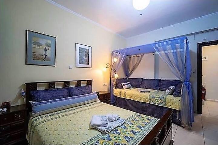 Minoan Art Bedroom in AπArt Gallery Villa