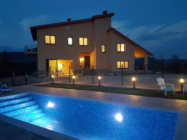 Exclusiva casa en Cardona - Cardona - Casa