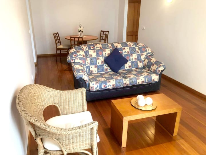 Apartment with one bedroom in Santa Cruz, with wonderful sea view, enclosed garden and WiFi - 1 km from the beach
