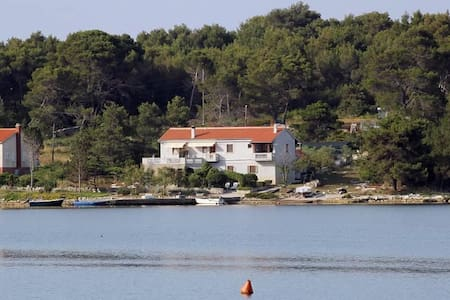 One bedroom apartment near beach Veli Rat, Dugi otok (A-438-c) - Veli Rat