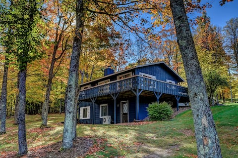 Stockholm House - Located in the picturesque Northwoods