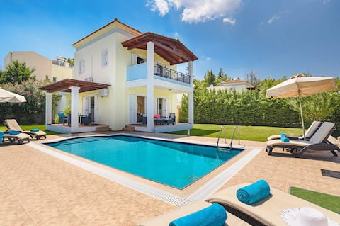 Seven Springs Apollon Villa with heated pool