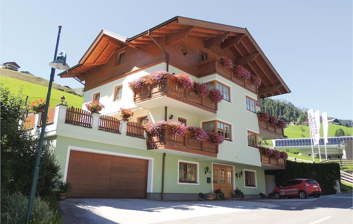Beautiful home in Grossarl with WiFi and 2 Bedrooms