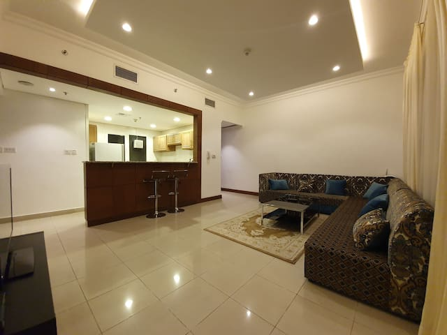 Prime location close to the malls 2 beds seaview