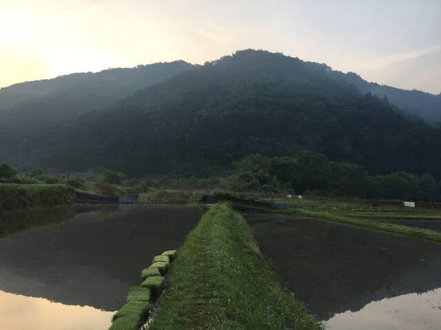 """山々に囲まれた日本古来の里山 Japanese countryside """"SATOYAMA"""""""
