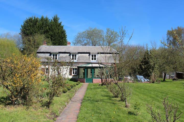 La Maison Enchantée  - 3 km Honfleur