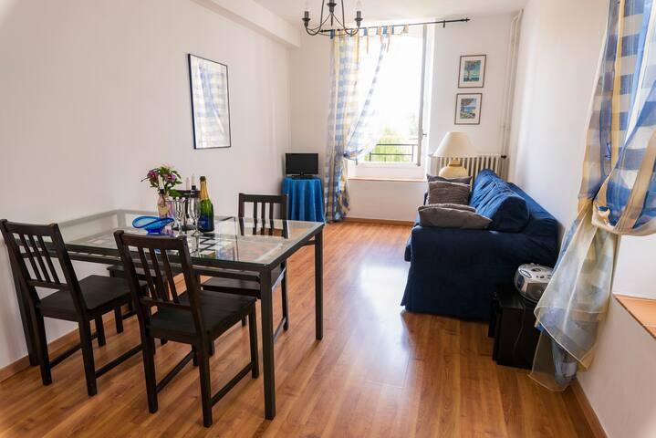 L'Appartement Bleu, WATERMILL, 1st floor