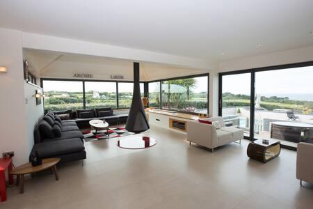 Luxury Modern Villa With Stunning Sea Views Pool