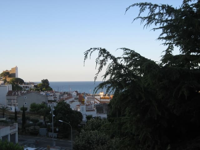 5 minuts of the beach! - Sant Pol de Mar - Wohnung