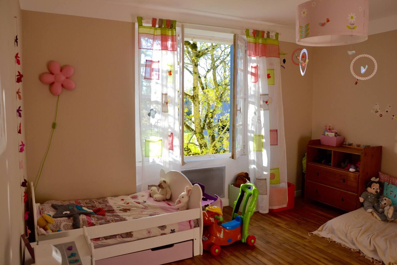 Chambre 3 : lit enfant. Côté jardin