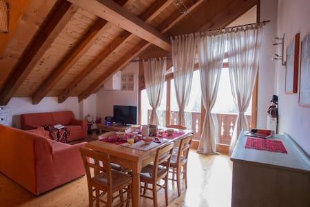 Accogliente e spazioso appartamento stile chalet - Domegge di Cadore