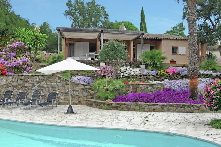 Peaceful Villa in Cogolin with Private Pool