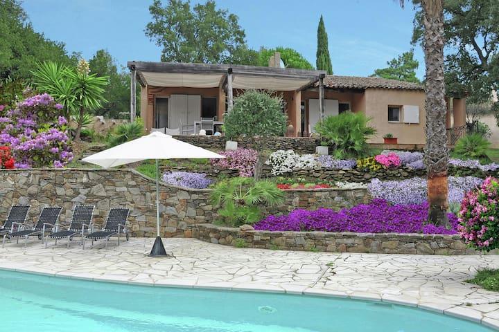 Villa tranquila en Cogolin con piscina privada