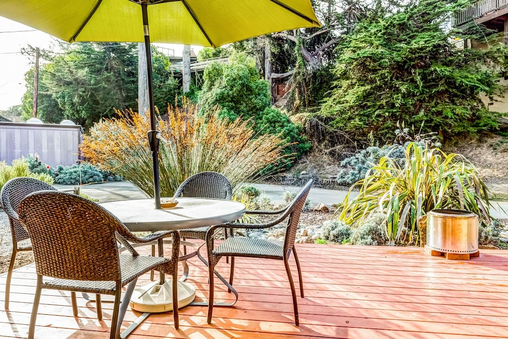 Enjoy dinner under the stars on the beautifully landscaped front patio area.