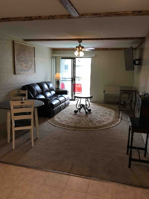 Private Downtown High Rise - All Inclusive!