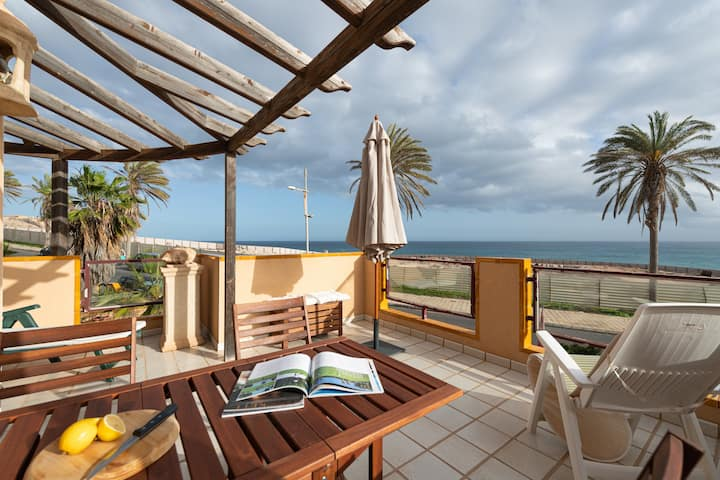 NEW Apartment with terrace and sea views