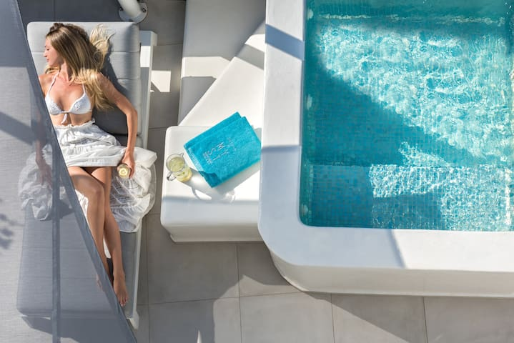 Supreme Suite | Outdoor Hot Tub & Sea View
