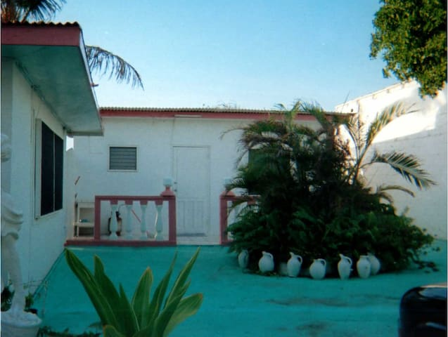 Cozy Studio - close to beaches - San Nicolas - Apartamento