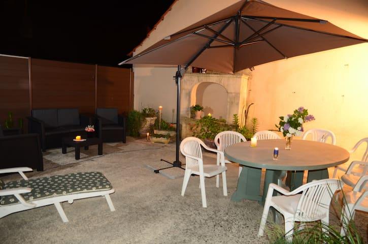 Lovely Terrasses de juillet à Montignac Lascaux - Montignac - Casa