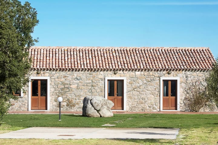 """Country residence """"Olivo"""" 3.5kms from the coast"""