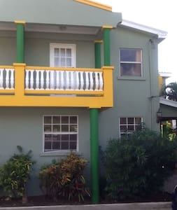 Cozy Townhouse - Speightstown