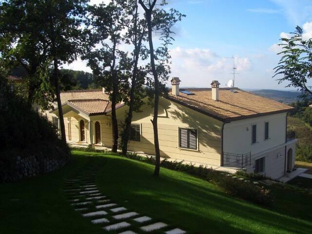 Villa Gauss nel comune di Montescudo-Montecolombo